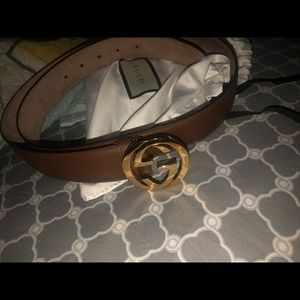 Gucci belt size 100 No wear or scratches on buckle
